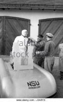 Прикрепленное изображение: ferdinand-lehder-in-the-nsu-world-record-car-1951-j3a8yx.jpg