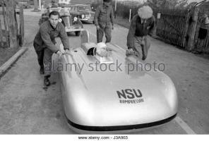 Прикрепленное изображение: ferdinand-lehder-in-the-nsu-world-record-car-1951-j3a903.jpg