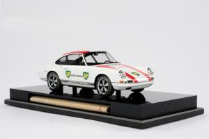 Прикрепленное изображение: al_Porsche-R-1967.jpg