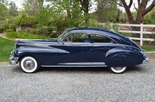 Прикрепленное изображение: Packard Custom Super Clipper Club Sedan 1947.jpg