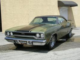 Прикрепленное изображение: 1970 Plymouth GTX-23.jpg