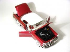 Прикрепленное изображение: 1955 Chrysler Imperial-6.JPG