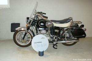 Прикрепленное изображение: Moto Guzzi California 1972.jpg