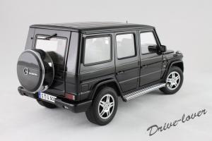 Прикрепленное изображение: Mercedes-Benz G500 Autoart for Mercedes-Benz B6 696 2143_06.jpg