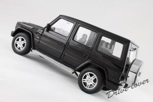 Прикрепленное изображение: Mercedes-Benz G500 Autoart for Mercedes-Benz B6 696 2143_13.jpg