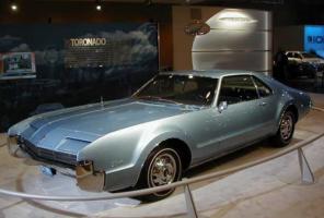 Прикрепленное изображение: 1966-model-oldsmobile-toronado-nb31481.jpg