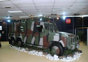 Прикрепленное изображение: defender_130_6x6_land_rover_dsa_2008_defence_exhibition.jpg