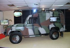 Прикрепленное изображение: defender_110_land_rover_4x4_dsa_2008_defence_exhibition.jpg