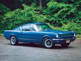 Прикрепленное изображение: mufp_0401_03_z+1965_ford_mustang_gt_fastback_sapphire_blue_pearl+right_side.jpg