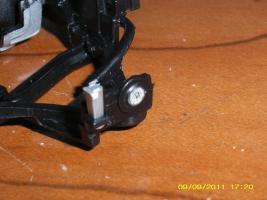 Прикрепленное изображение: задняя сломанная подвеска близко.JPG