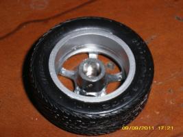 Прикрепленное изображение: колесо стандартное крепление.JPG