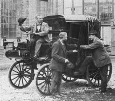 Прикрепленное изображение: Daimler Taxi 003.jpg
