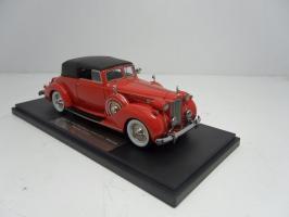Прикрепленное изображение: 1938 Packard Twelve Convertible Victoria..jpg