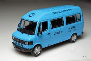 Прикрепленное изображение: Mercedes-Benz L309 D 25 Jahre MBMC Rhein-Ruhr.jpg