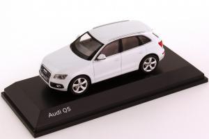Прикрепленное изображение: Audi Q5 Facelift 2012.jpg
