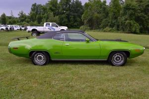 Прикрепленное изображение: 1971 Plymouth GTX-22.jpg