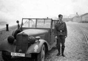 Прикрепленное изображение: Mercedes-Benz 170VK (W136K) Luftwaffe (WL-324077) 01.jpg