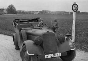 Прикрепленное изображение: Mercedes-Benz 170VK (W136K) Luftwaffe (WL-331252) 03.jpg