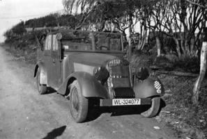 Прикрепленное изображение: Mercedes-Benz 170VK (W136K) Luftwaffe (WL-324077) 02.jpg
