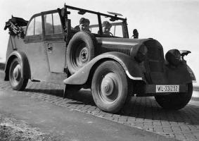 Прикрепленное изображение: Mercedes-Benz 170VK (W136K) Luftwaffe (WL-331252) 01.jpg