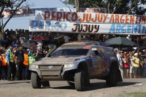 Прикрепленное изображение: al_attiyah_takes_first_stage_win_in_dakar_2011_large_36674.jpg