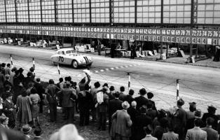 Прикрепленное изображение: 1940-Bmw-328-Touring-Coupe-at-Mille-Miglia-lg.jpg