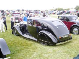 Прикрепленное изображение: HJ_Mulliner_Rolls-Royce_Phantom_III_Saloon_3AX79_1937_04.jpg