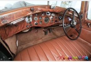 Прикрепленное изображение: HJ_Mulliner_Rolls-Royce_Phantom_III_Saloon_3AX79_1937_08.jpg