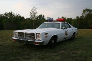 Прикрепленное изображение: Dodge Monaco Hazzard County Sheriff 1978.jpg