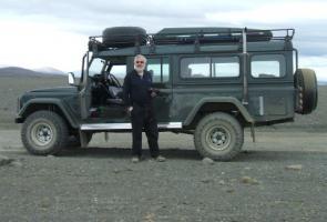 Прикрепленное изображение: 47171925442_1995-land-rover-defender-130-station-wagon-353.jpg
