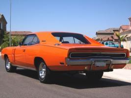 Прикрепленное изображение: 1970-orange-dodge-charger-rt-3.jpg