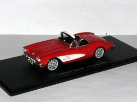 Прикрепленное изображение: Duesenberg Model D Exner-Ghia 1966 005.JPG