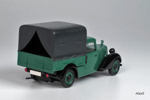 Прикрепленное изображение: Mercedes-Benz W136 1946 170 V Polizei-Streifenwagen Hagele Кузнецов 015 2.jpg