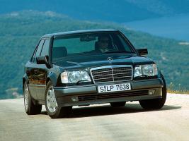 Прикрепленное изображение: Mercedes-Benz-W124_.jpg