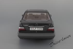 Прикрепленное изображение: Mercedes-Benz E320 Autoart for Mercedes-Benz B66040508_06.JPG