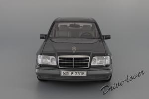 Прикрепленное изображение: Mercedes-Benz E320 Autoart for Mercedes-Benz B66040508_05.JPG