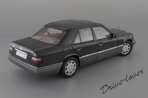 Прикрепленное изображение: Mercedes-Benz E320 Autoart for Mercedes-Benz B66040508_07.JPG