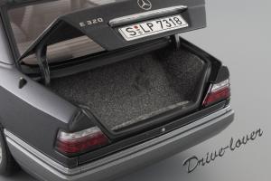 Прикрепленное изображение: Mercedes-Benz E320 Autoart for Mercedes-Benz B66040508_10.JPG