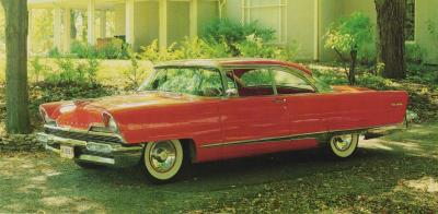 Прикрепленное изображение: 1956 Lincoln Premiere.jpg