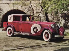 Прикрепленное изображение: 1933 Model KB Town Car Landaulet by Brunn.jpg