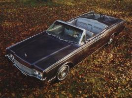 Прикрепленное изображение: 1967 Lincoln Continental.jpg