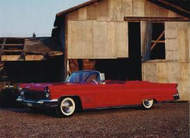 Прикрепленное изображение: 1960 Lincoln Continental.jpg