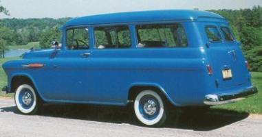 Прикрепленное изображение: Chevrolet Suburban Carryall - 1955.01.jpg