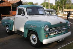 Прикрепленное изображение: Chevrolet 3100 Pick Up-1958.04.jpg