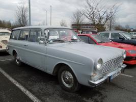 Прикрепленное изображение: Ford Taunus 12M(P4) Turnier-Kombi - 1962.01.jpg