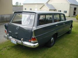 Прикрепленное изображение: Mercedes-Benz 230 (W110) Station Wagon-1966.02.jpg