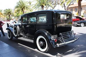 Прикрепленное изображение: Cadillac Series 452 V-16 Imperial Sedan - 1930.03.jpg