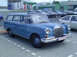 Прикрепленное изображение: Mercedes-Benz 230 (W110) Station Wagon-1966.03.jpg