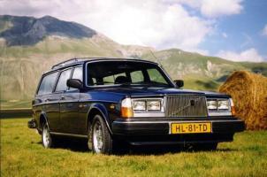 Прикрепленное изображение: Volvo 265GL Estate - 1978.03.jpg