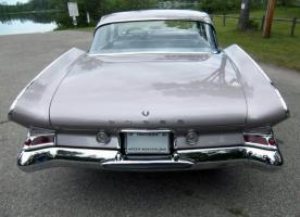 Прикрепленное изображение: 1961_Dodge_Seneca_rear.jpg